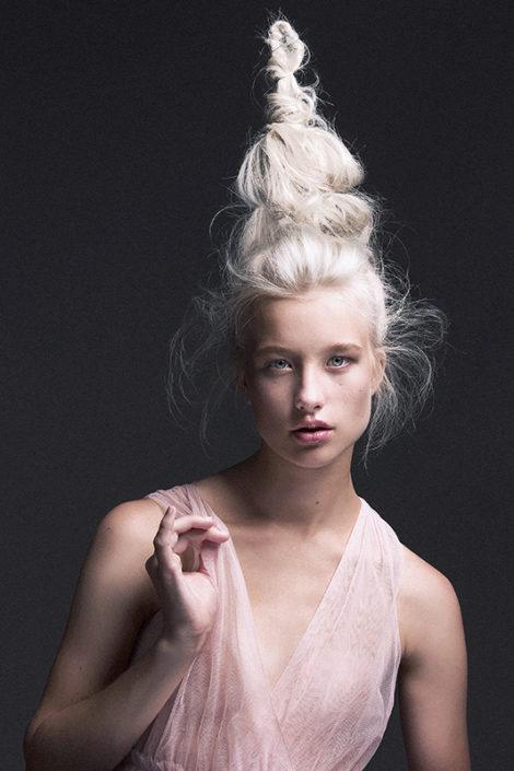 Make-up-sister-model-small-05